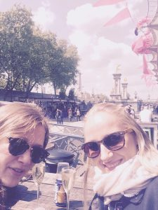 girls trip to Paris