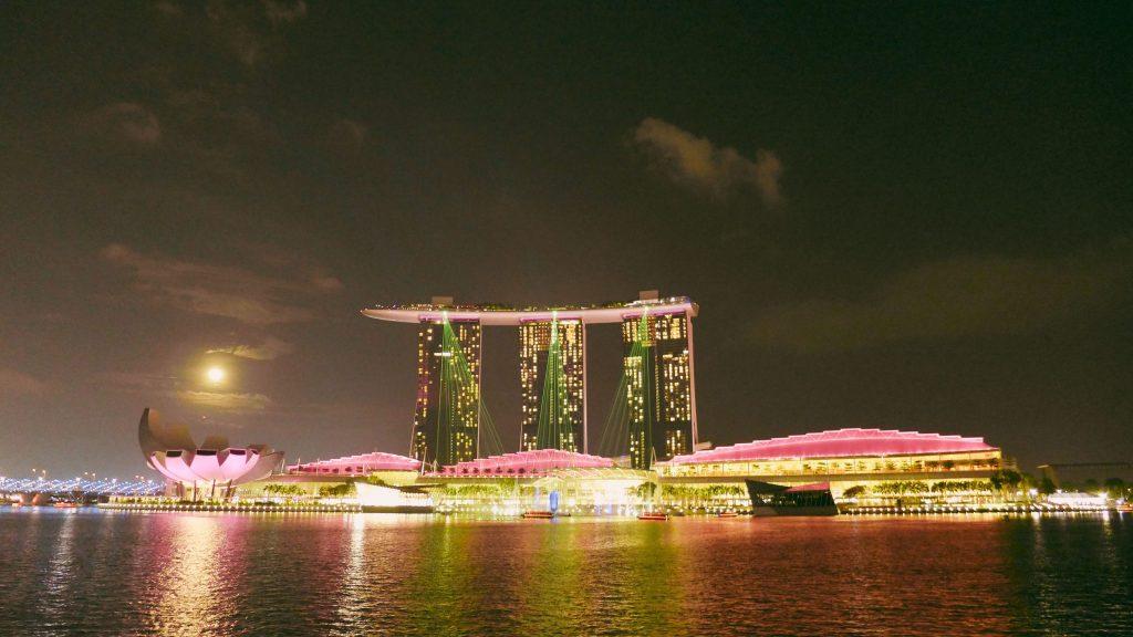 Marina Bay at night_Singapore